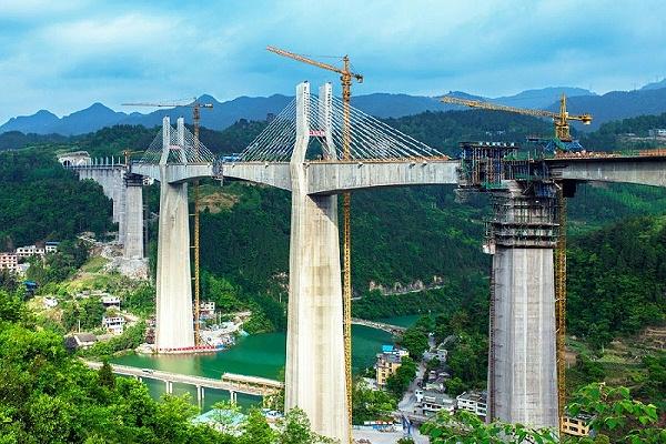 重庆阿蓬江特大桥