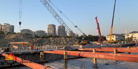 进度管理:一组钢支撑进入拆撑阶段